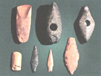 Каменные орудия II тысячелетия до н. э., найденные археологами на территории Москвы.