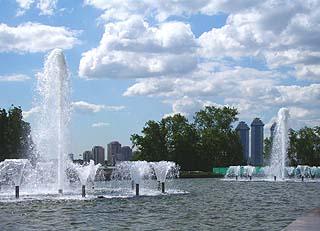 193 Центральный фонтан.   Centric fountain. 152k