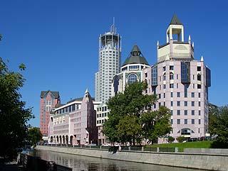 306  Комплекс «Riverside Towers».   178k