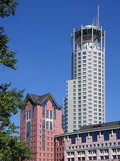 307  Комплекс «Riverside Towers».   184k