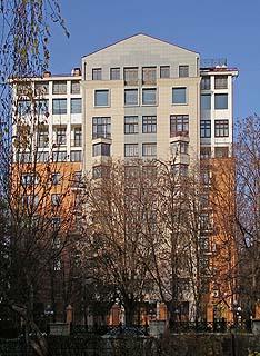 526 Леонтьевский переулок.   267k