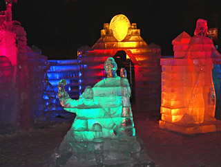574 Ледяная скульптура.   Ice sculpture.  151k
