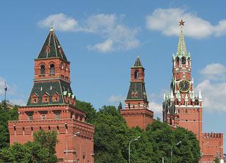 671  Еленинская, Набатная и Спасская башни. Eleninskaja, Nabatnaja and Spasskaja towers   196k