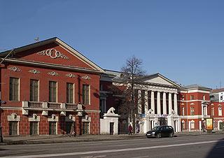 692 Музей современоой истории.       168k
