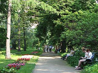 722  Ботанический сад МГУ.   260k