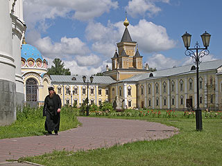 785  Николо-Угрешский монастырь.  226k