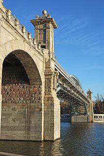 823 Андреевский пешеходный мост.   121k