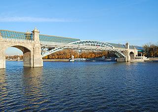 823 Андреевский пешеходный мост.   201k