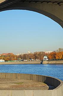 828 Андреевский пешеходный мост.   83k
