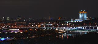 867 Ночной вид со смотровой площадки.   86k