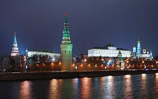 882 Кремль. Вид с Софийской набережной.   143k