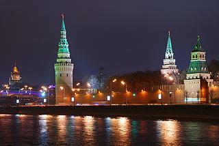 885 Кремль. Вид с Софийской набережной.   153k