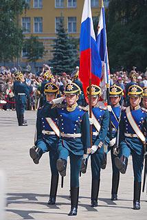 a241 Развод пеших и конных караулов на Соборной площади Кремля.     93k
