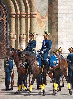 a245 Развод пеших и конных караулов на Соборной площади Кремля.     97k