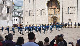 a247 Развод пеших и конных караулов на Соборной площади Кремля.     170k
