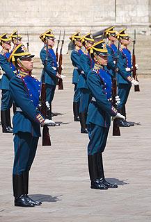 a255 Развод пеших и конных караулов на Соборной площади Кремля.     83k