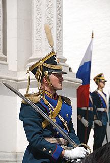 a258 Развод пеших и конных караулов на Соборной площади Кремля.     67k