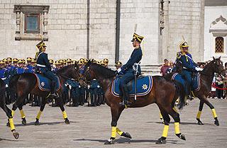 a259 Развод пеших и конных караулов на Соборной площади Кремля.    142k