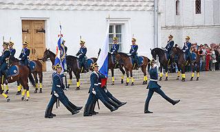 a265 Развод пеших и конных караулов на Соборной площади Кремля.    132k