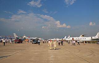 a376   Выставка авиационной техники.       120k