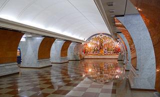 a536     Станция метро Парк победы    111k