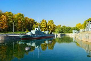 a555   Музей военной техники.        120k
